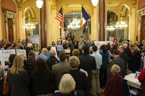 Council Executive Director Ralph Rosenberg, center, addresses the assembled crowd at Environmental Lobby Day, March 18.